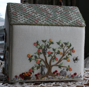 Home sweet home – enjoying my embroidery